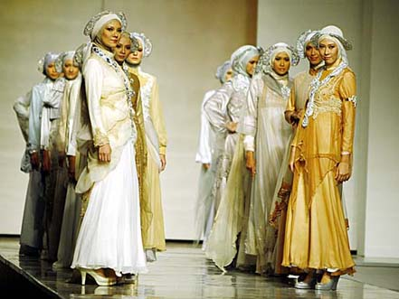 رشد پر شتاب صنعت مد در اندونزي با المانهاي بومي زيبا و به روز